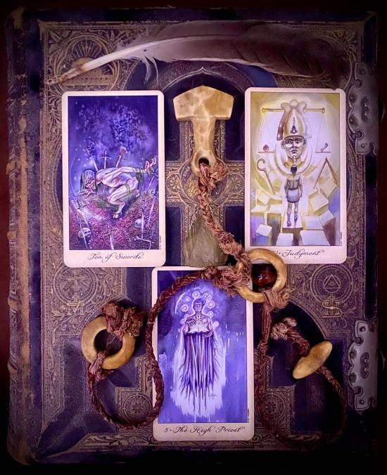 {Ghosts & Spirits Tarot}